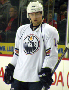 Jordan Eberle and the rest of the young Oilers need more than half a year experience playing together to gel and become a playoff team.(Resolute/Wikimedia Commons)